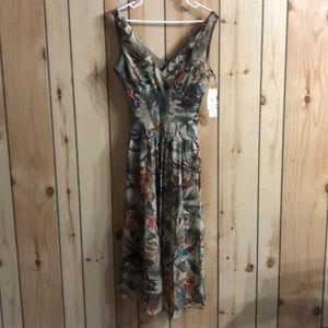Long Summer Dress Floral Print Size 14 NWT
